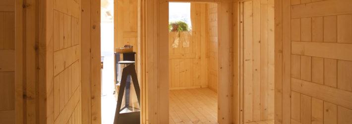 Innenausbau eines Hauses aus Holz - ein Beispiel, wie man gut ökologisch bauen kann.