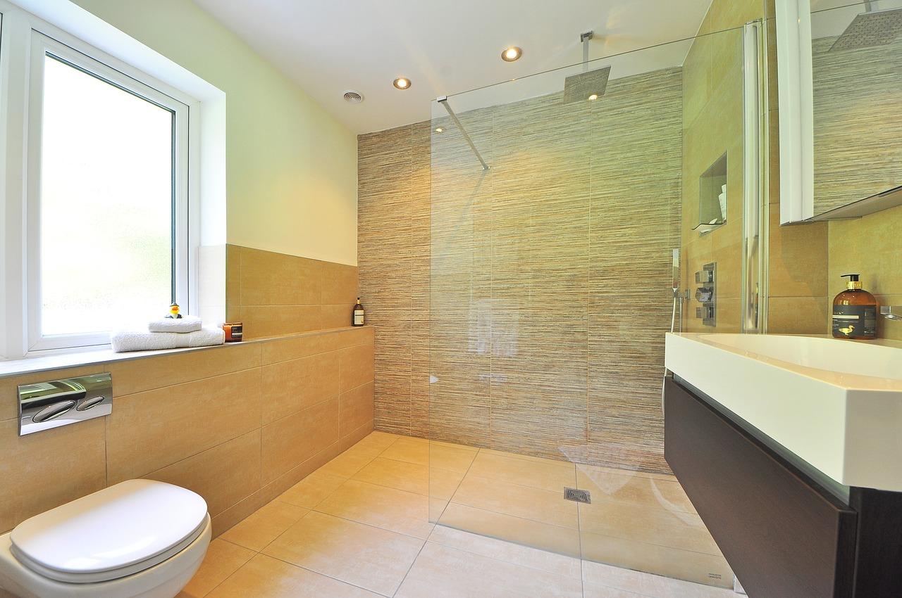 Bodenfliesen fürs Badezimmer – darauf sollten Sie achten!
